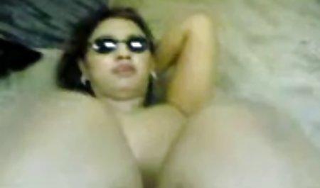 Sassy Asiático con busto grande se anal en castellano pone el vibrador amable!