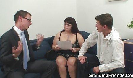 Fiesta de sexo con un grupo xnxx anime español de personas